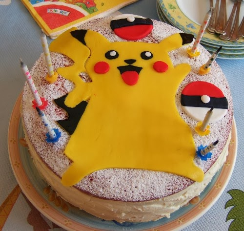 http://lesrecettesdemelanie.blogspot.fr/2013/10/gateau-pokemon-arc-en-ciel.html