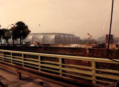 A photo of France's premiere concert hall, Le Zenith, taken from the Boulevard Périphérique