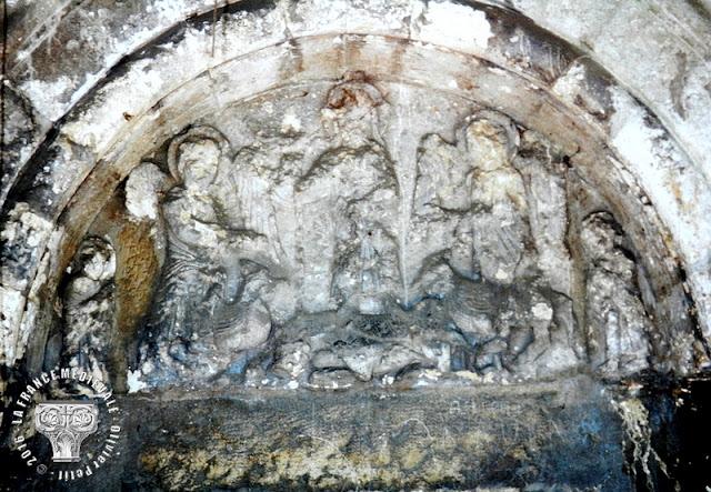 LYON (69) - Portail roman de l'ancienne abbaye de l'Ile-Barbe