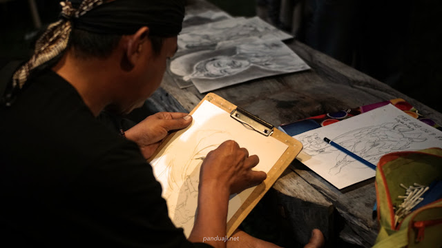 Live Drawing di stand kampung bathok