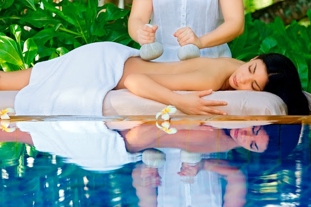 One & Only Le Saint Géran introduces the New Contour & Firm Body Treatment, the Lighter Legs Massage and ESPA Mandarin Lip Balm