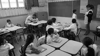 Aunque 10 provincias –entre ellas, Córdoba, Santa Fe y Mendoza– no cerraron sus paritarias docentes, hoy empiezan las clases para unos 7 millones de chicos. Otros 3,6 millones deberán quedarse en sus casas por los paros, que ponen en jaque uno de los objetivos que se había planteado el gobierno de Mauricio Macri: cumplir con el calendario de 180 días de clase.