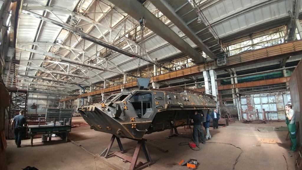 Зеленський доручив простити ХКБМ зірваний контракт на виробництво БТР-4 для ЗСУ