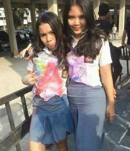 Foto Hot Gadis SMK Pamer Toket Dan Paha Mulus Nakal
