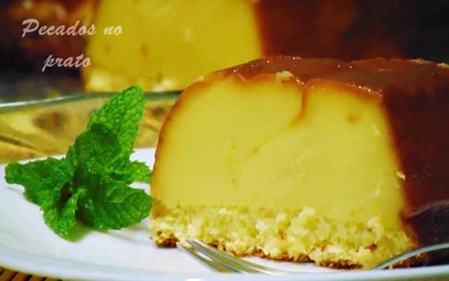 Receita de bolo cremoso de queijo quark e coco