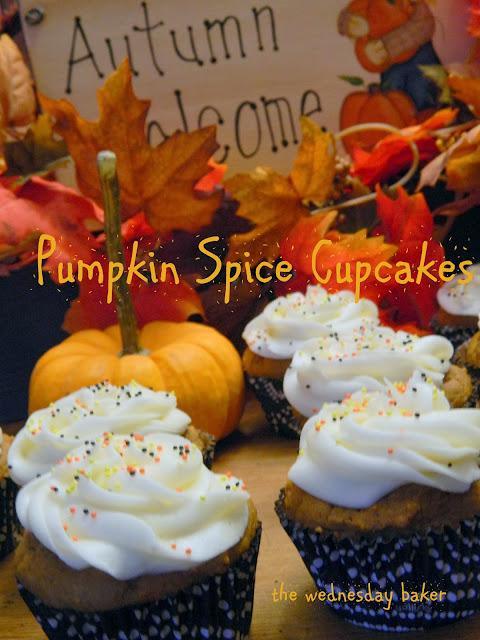 Duncan Hines Spice Cake Pumpkin Cupcakes