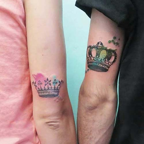 couple watercolor crown tattoo sevgili taç dövmesi renkli