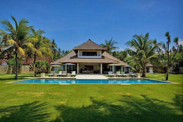 Jual Villa Beach Front Saba Gianyar