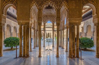 patio dei leoni alhambra granada