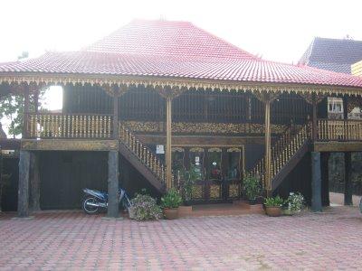 rumah adat sumatera selatan sumsel rumah tradisional rumah limas palembang sumsel rumah limasan