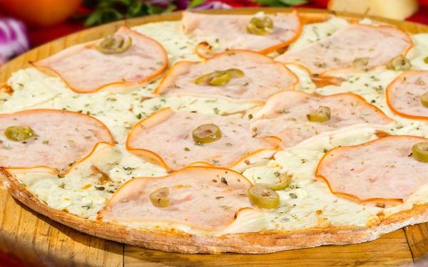 Receita de pizza de peito de peru caseira (Imagem: Reprodução/Pizza Bambini)