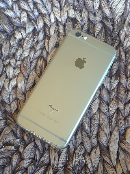 Ultra Thin Transparent for iPhone