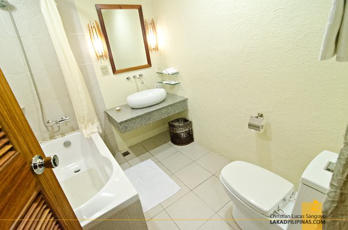Bluewater Maribago Beach Resort Cebu Toilet & Bath