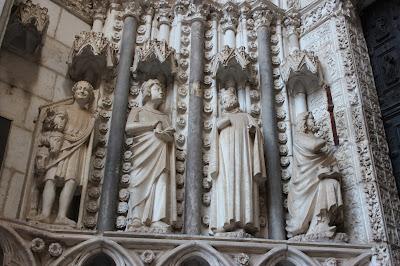 Esculturas de la Puerta del Perdón