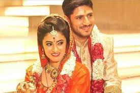 Anand Kapai Family Wife Son Daughter Father Mother Age Height Biography Profile Wedding Photos