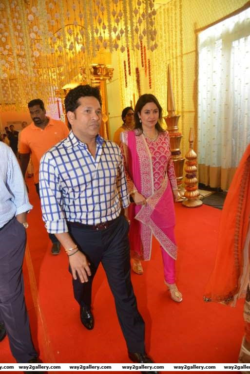 Sachin Tendulkar and wife Anjali graced Swathi and Pranavs wedding