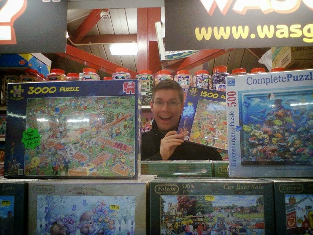 Last year a long quest was ended when we managed to find an elusive Jan Van Haasteren Mini-Golf jigsaw puzzle while on a day out in Derby!