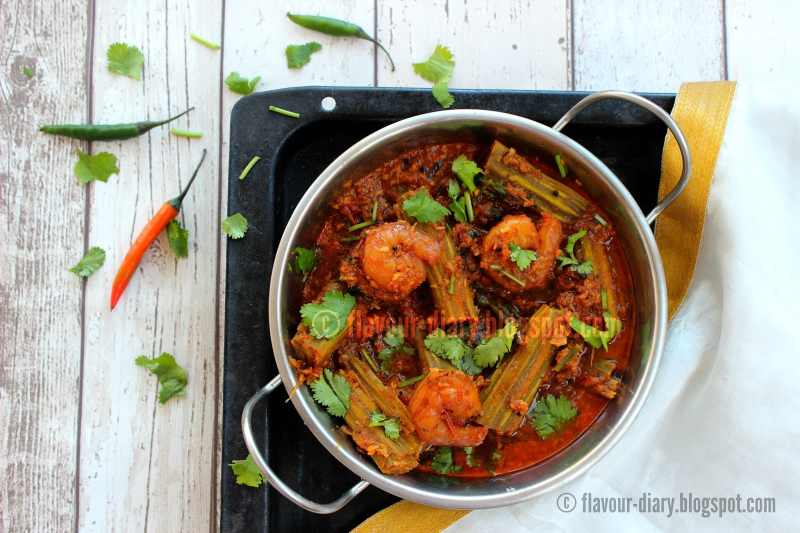 Chemmeen Muringakka Prawn Drumstick curry