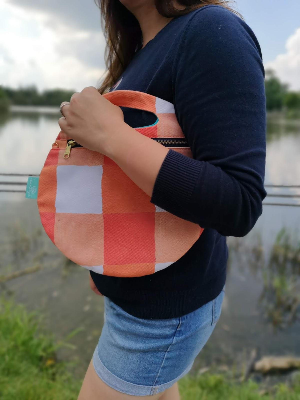 Leland Gal Roundy Bag