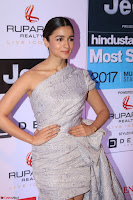 Red Carpet of Most Stylish Awards 2017 ~ Alia Bhatt (2).JPG