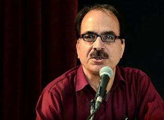एक फ़िल्मी कवि से / अग्निशेखर, Hindi kavitaye