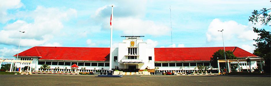perkembangan penduduk ini beriringan dengan semakin terbukanya wilayah kota banjarbaru baik untuk kawasan permukiman serta bandar udara syamsudin noor