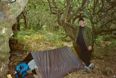 camping-under-a-tarp