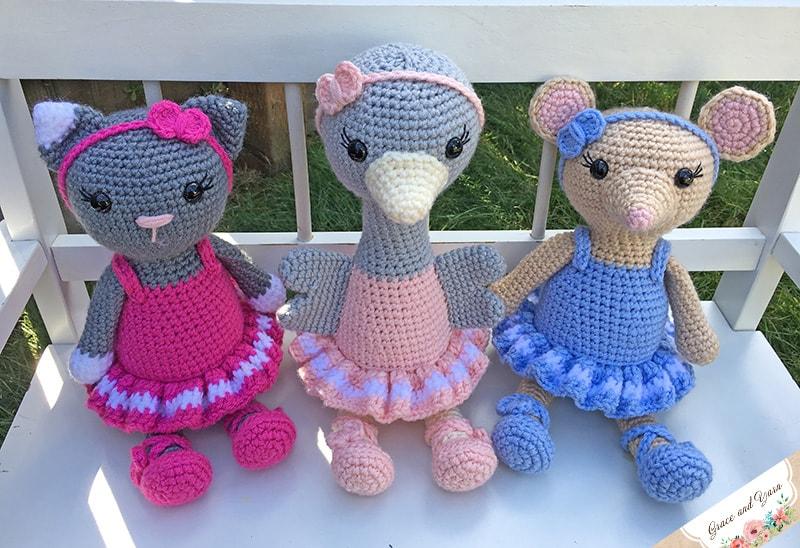 Lying Kitten Amigurumi Crochet Pattern Free | 548x800