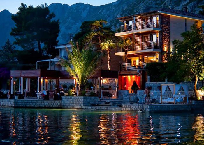Luxury hotels in dobrota luxury hotels worldwide for Luxury hotels worldwide