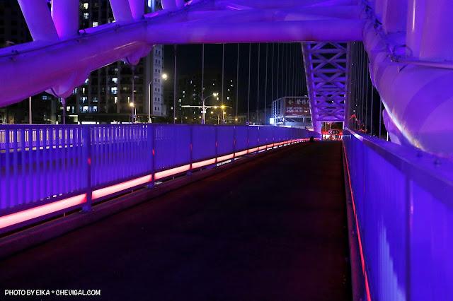 MG 0670 - 台中景點│橫跨旱溪的紫藍色彩海天橋,夜裡不可錯過的迷人紫調!