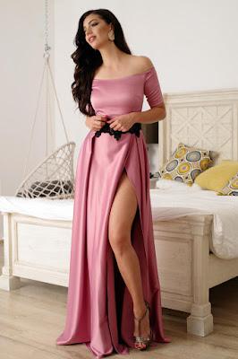 Rochie Artista roz lunga de ocazie in clos din material satinat cu insertii de broderie • Artista