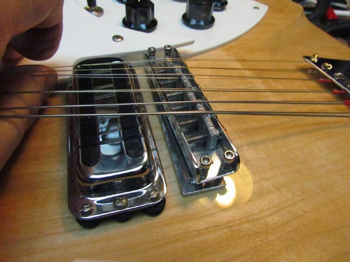 crawls backward when alarmed 12 saddle bridge for rickenbacker 360 12c63