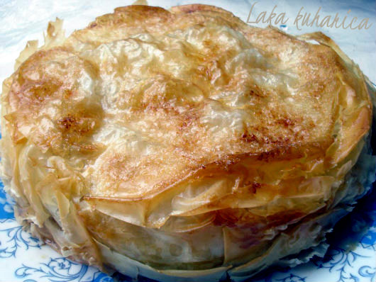 Filo pie with apples and pearsby Laka kuharica: unusual pie is delicious, moist, crunchy and aromatic.