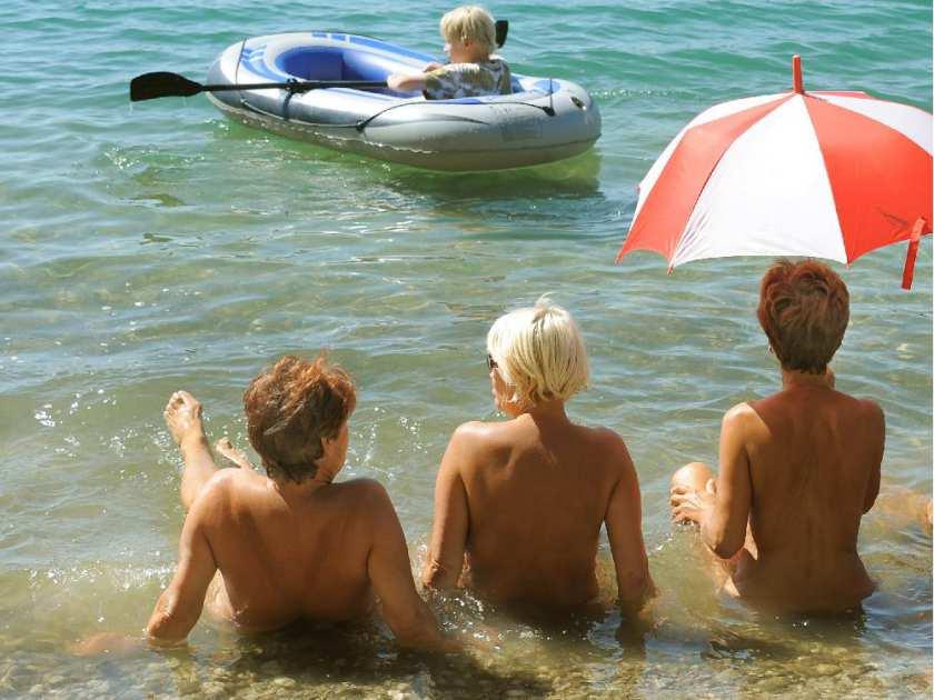 River valley nudist resort
