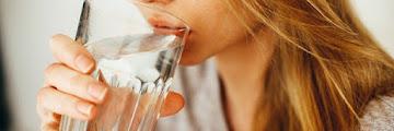 15 Manfaat Minum Air Putih Secara Rutin Bagi Kesehatan Tubuh