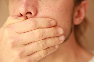 8 Cara Menghilangkan dan Mengatasi Bau Mulut