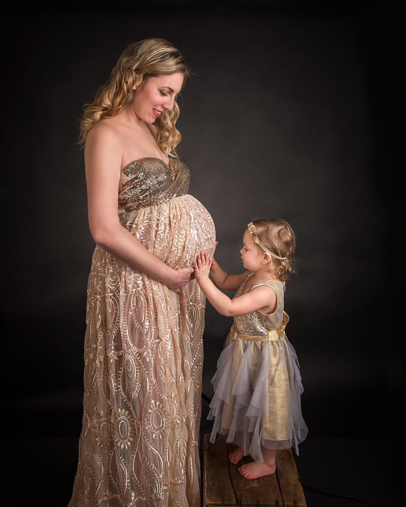 Dekalb Sycamore Geneva Maternity photos with beautiful dresses