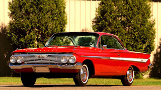 1961 Chevrolet Impala SS Front Left