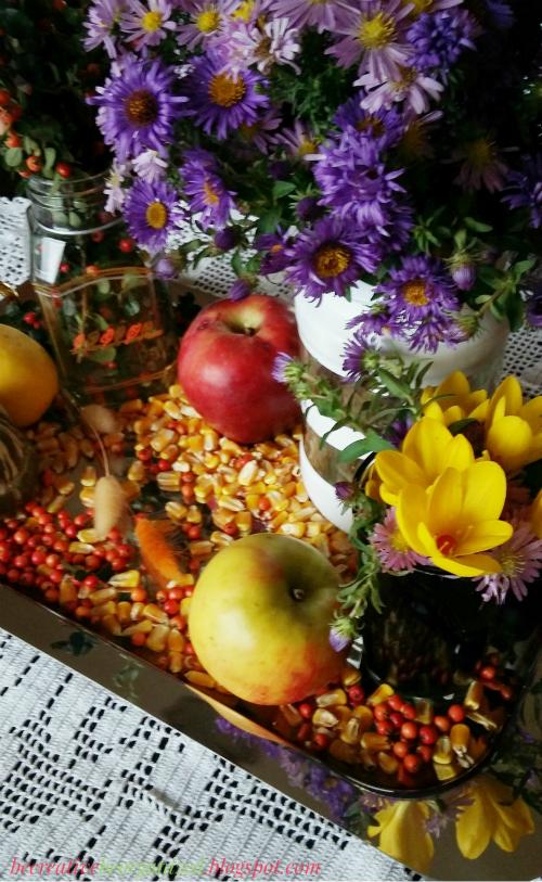 Jesenja dekoracija stola