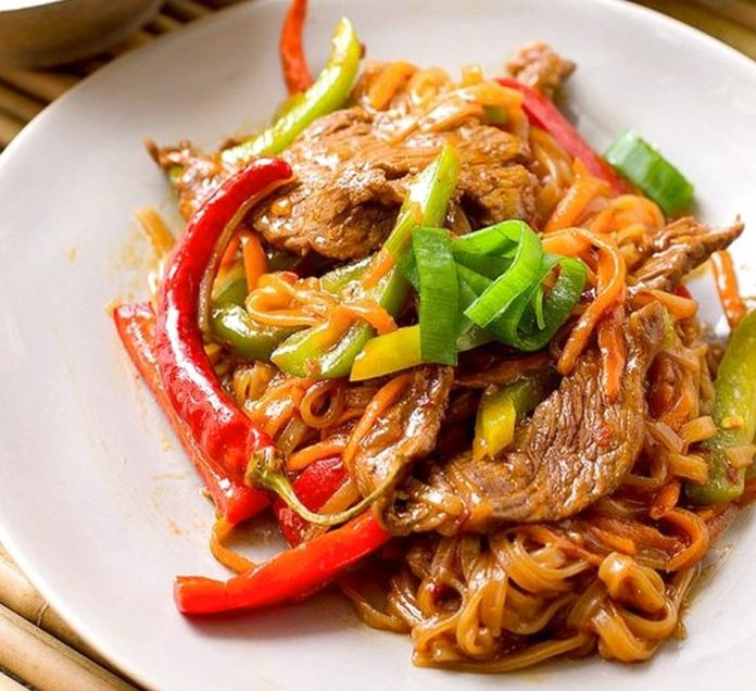 Yummy bites you can make this noodle recipe as spicy or as cool as you like and fit with fresh vegetables besides this chinese food is perfect to make as an appetizer forumfinder Images