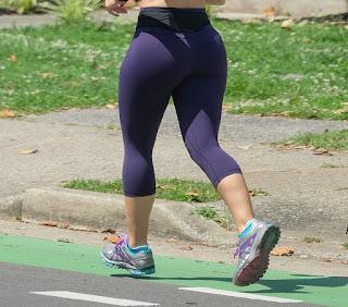 Mujeres sexys corriendo calzas pegadas