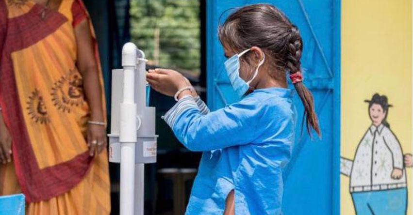 Dos de cada cinco escuelas del mundo carecían de instalaciones básicas para el lavado de manos antes de la pandemia de COVID-19, según UNICEF y la OMS