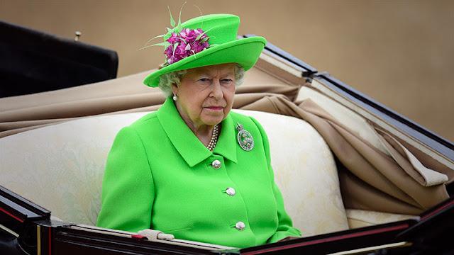 ¿Prepara su retiro la reina Isabel II?
