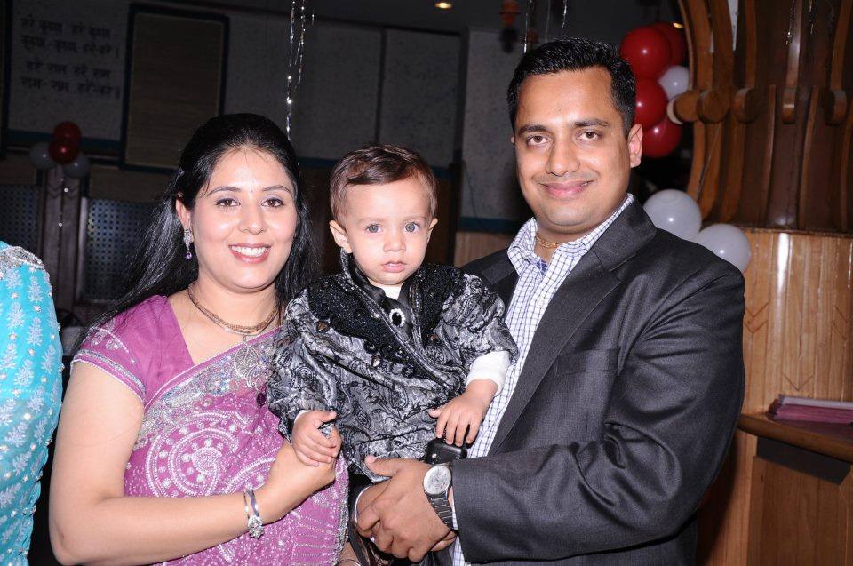 Dr. Vivek Bindra With His Wife And Son