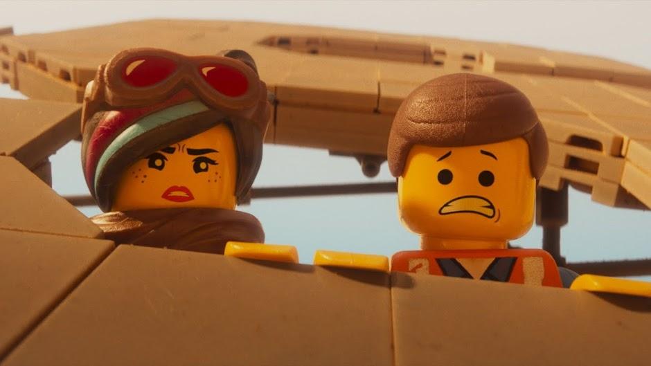 """Tudo ainda é incrível para Emmet no trailer de """"Uma Aventura LEGO 2"""""""