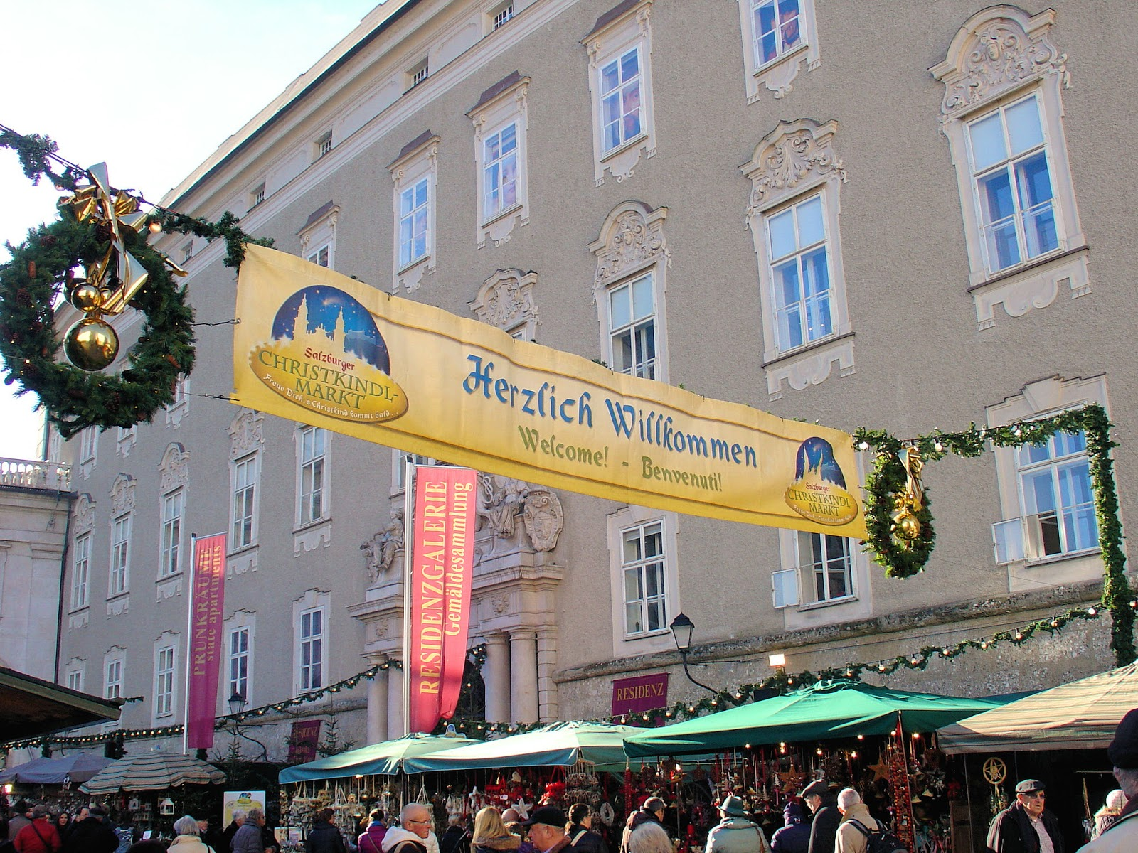 Welcome to Salzburg Christmas Market. Photo: EuroTravelogue™. Unauthorized use is prohibited.