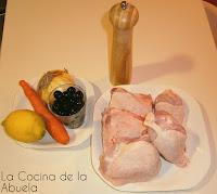 Pollo guisado con limón y aceitunas