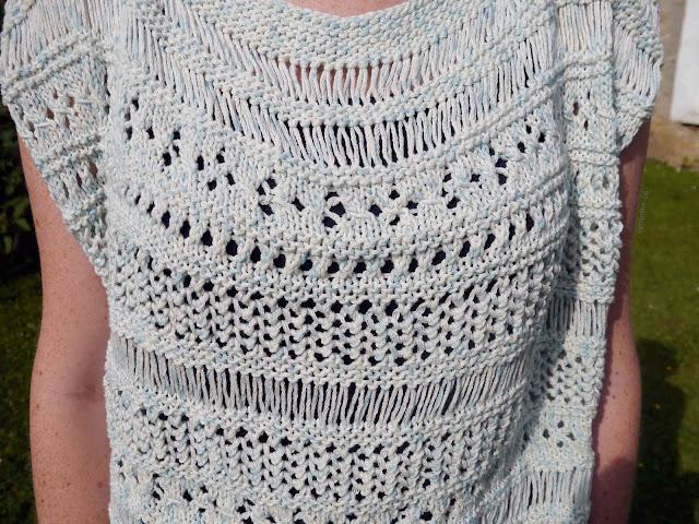 zoom du top au tricot