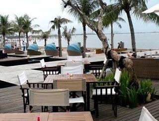 http://www.teluklove.com/2017/05/daya-tarik-objek-wisata-segarra-beach.html