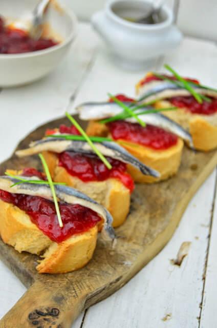 tosta-boqueron-pimiento-caramelizado1